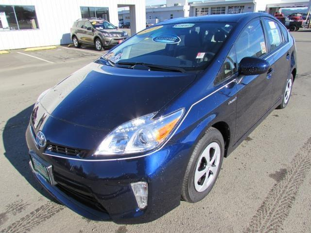 2014 Toyota Prius Hatchback for sale in Coos Bay for $22,346 with 14,600 miles.
