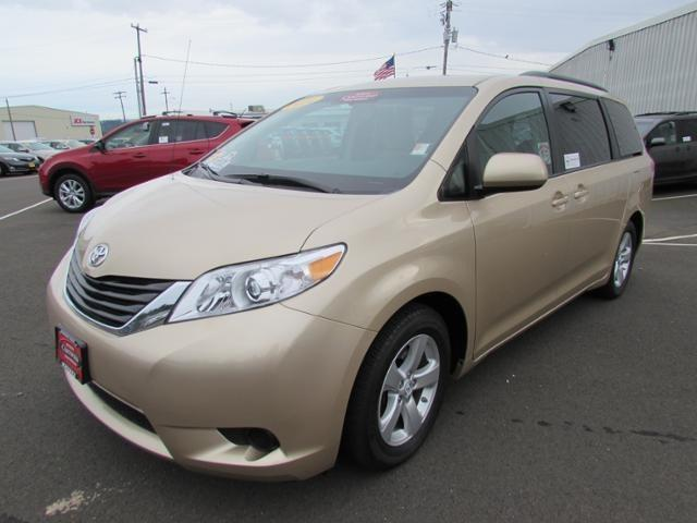 2014 Toyota Sienna Minivan for sale in Coos Bay for $25,847 with 19,160 miles.