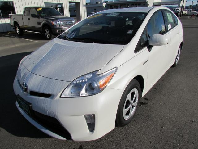 2014 Toyota Prius Hatchback for sale in Coos Bay for $23,387 with 13,398 miles.