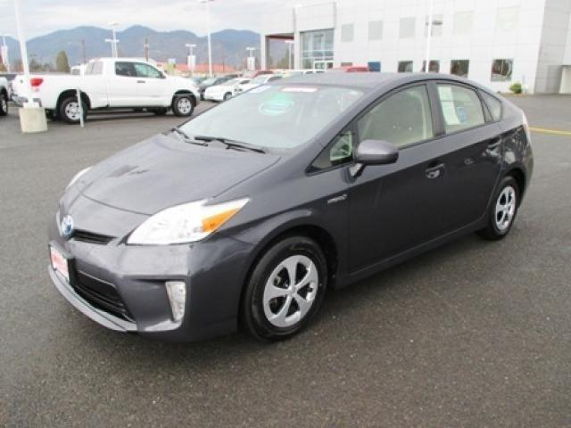 2013 Toyota Prius Hatchback for sale in Grants Pass for $21,482 with 25,663 miles.