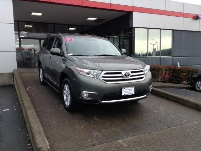 2012 Toyota Highlander Base SUV for sale in Vancouver for $30,431 with 12,568 miles.