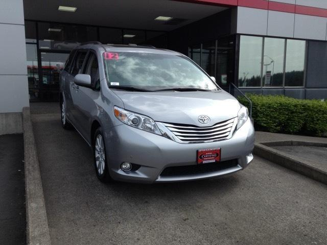 2012 Toyota Sienna Minivan for sale in Vancouver for $34,753 with 31,451 miles