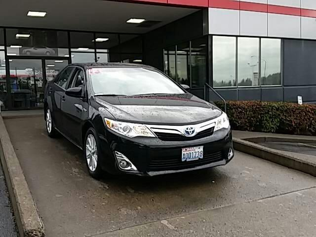 2013 Toyota Camry Hybrid Sedan for sale in Vancouver for $24,494 with 1,568 miles.