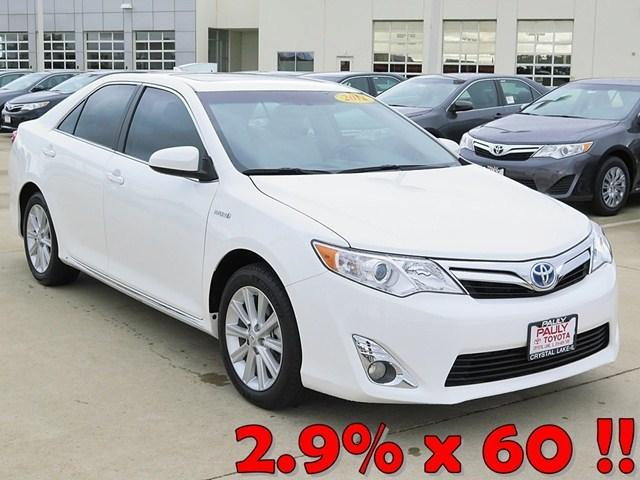 2012 Toyota Camry Hybrid XLE Sedan for sale in Crystal Lake for $24,989 with 29,982 miles.