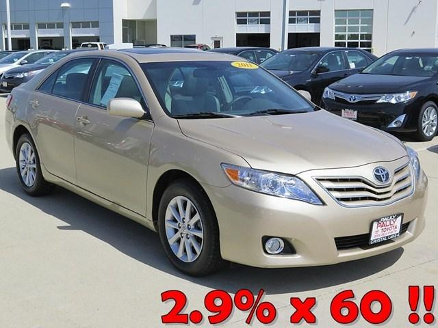 2011 Toyota Camry XLE Sedan for sale in Crystal Lake for $20,989 with 38,877 miles.