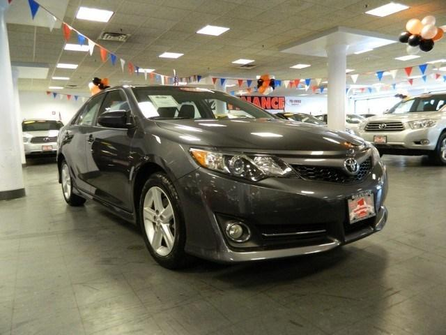 2013 Toyota Camry Sedan for sale in New York for $19,988 with 32,068 miles.