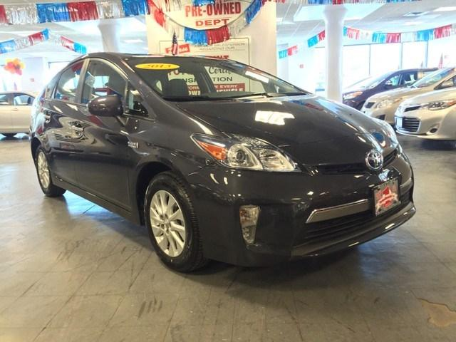 2013 Toyota Prius Plug-In Hatchback for sale in New York for $21,966 with 21,163 miles.