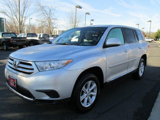2011 Toyota Highlander Base SUV for sale in Chantilly for $19,855 with 64,548 miles.
