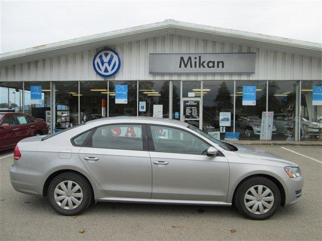 2012 Volkswagen Passat 2.5 S Sedan for sale in Butler for $13,988 with 25,252 miles.