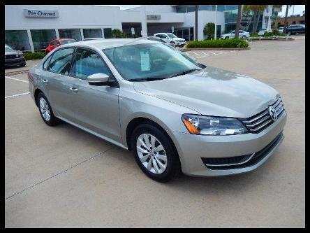 2014 Volkswagen Passat Sedan for sale in Houston for $19,900 with 9,252 miles