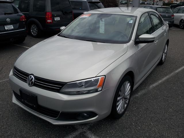 2011 Volkswagen Jetta SEL Sedan for sale in Stratford for $14,140 with 35,295 miles.