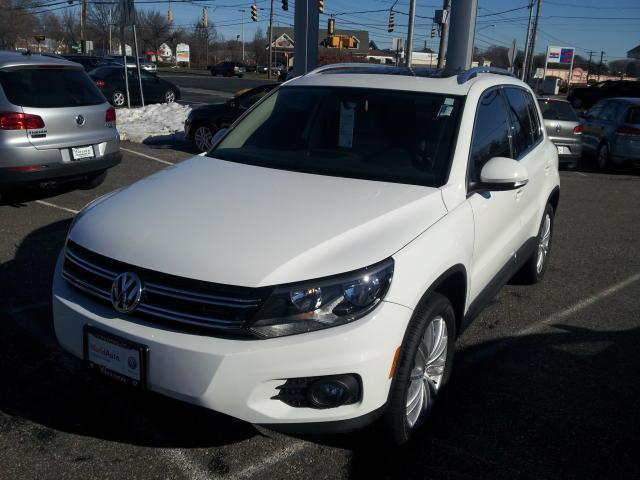 2012 Volkswagen Tiguan SE SUV for sale in Stratford for $22,461 with 42,890 miles.
