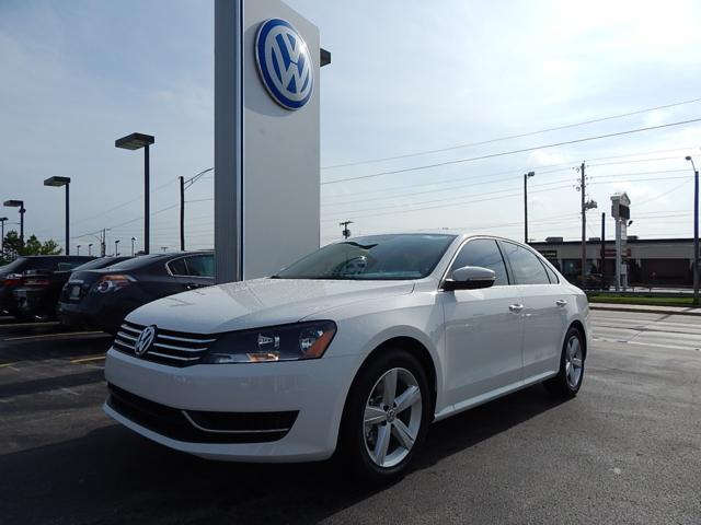 2013 Volkswagen Passat 2.5 SE Sedan for sale in Tulsa for $20,950 with 16,824 miles