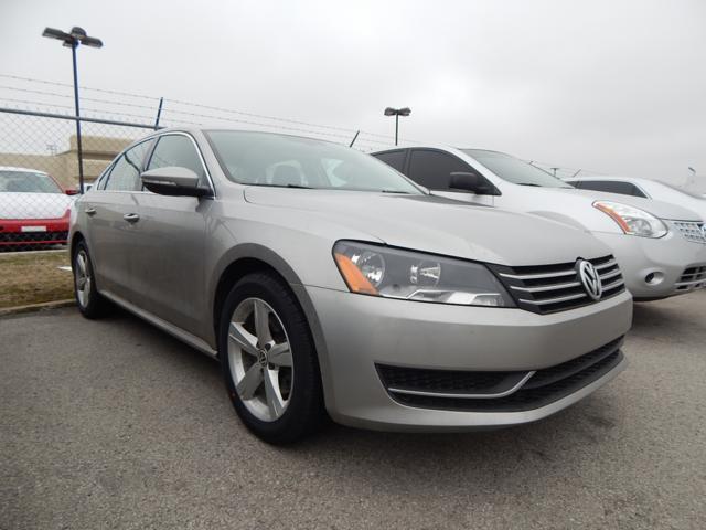 2012 Volkswagen Passat 2.5 SE Sedan for sale in Tulsa for $14,992 with 35,987 miles