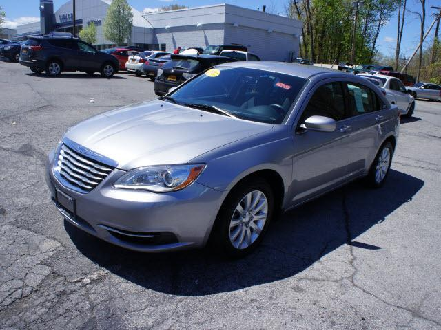 2013 Chrysler 200 Touring Sedan for sale in Wappingers Falls for $15,995 with 21,471 miles.