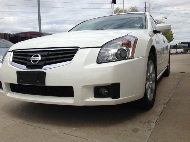 2007 Nissan Maxima Sedan for sale in Dallas for $11,000 with 88,800 miles.