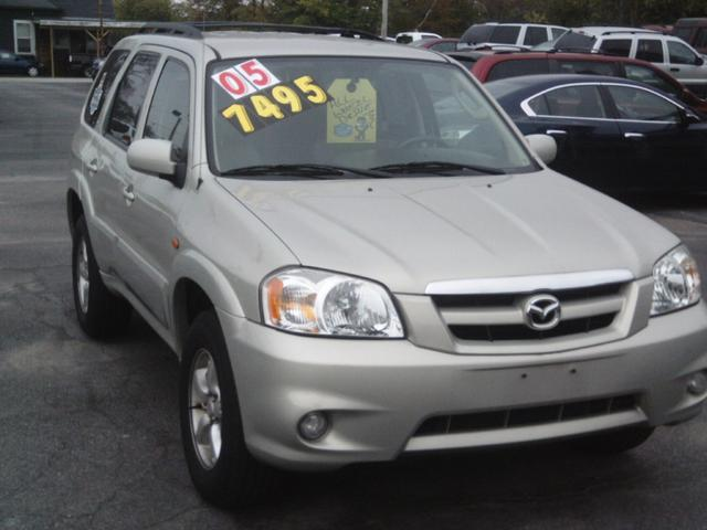 2005 Mazda Tribute S SUV for sale in Lafayette for $7,495 with 119,123 miles.