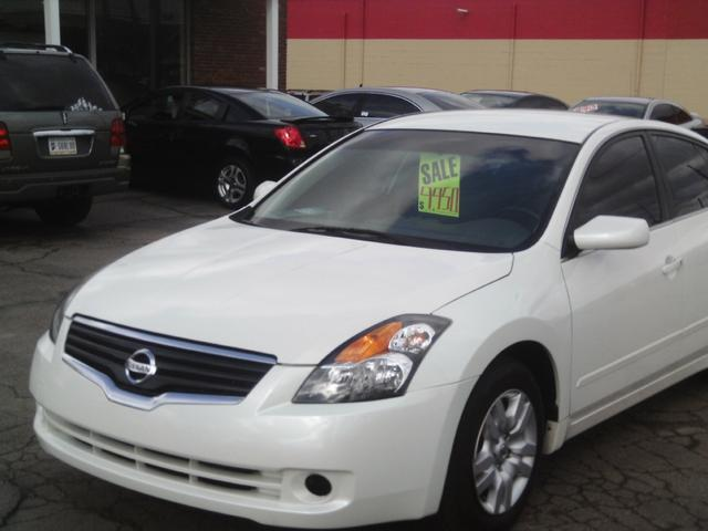 2009 Nissan Altima 2.5 S Sedan for sale in Lafayette for $9,950 with 104,062 miles