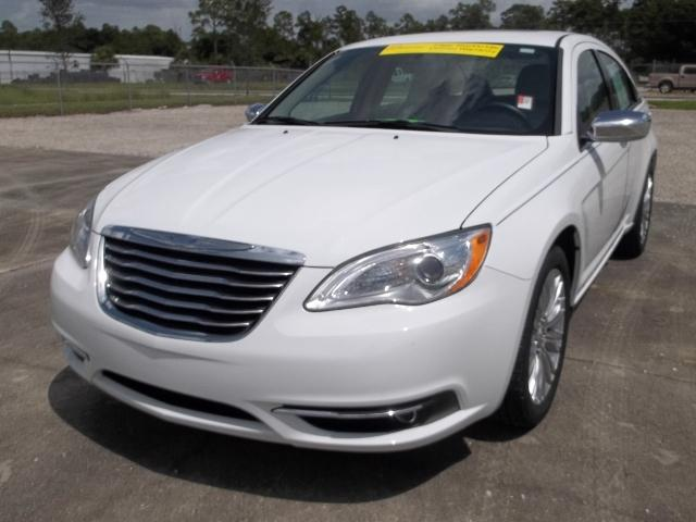 2012 Chrysler 200 Limited Sedan for sale in LaBelle for $15,783 with 20,105 miles.