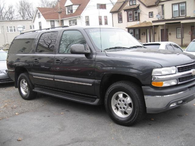 2003 Chevrolet Suburban 1500 LT SUV for sale in MIDDLETOWN for $10,495 with 106,520 miles