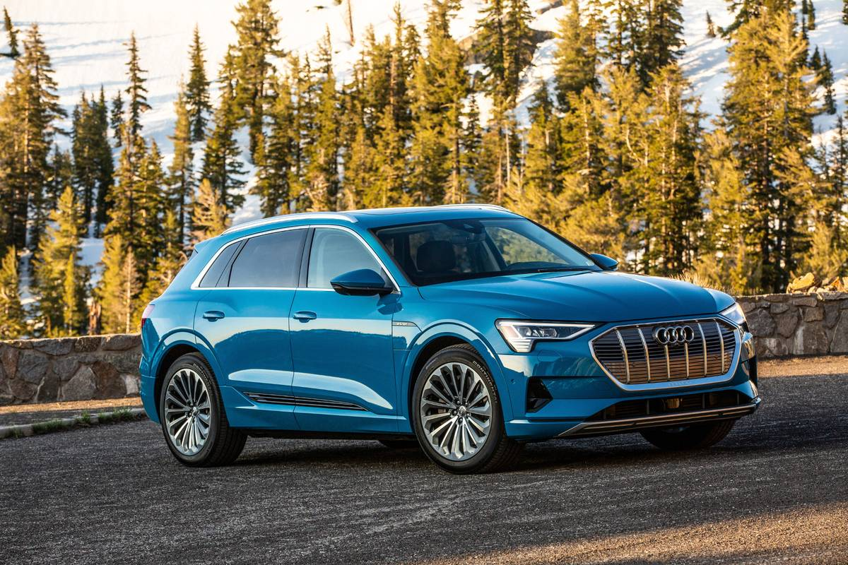 2019 Audi E Tron First Drive Electric Suv Is Golden Gloves To Tesla S Mma News Cars Com