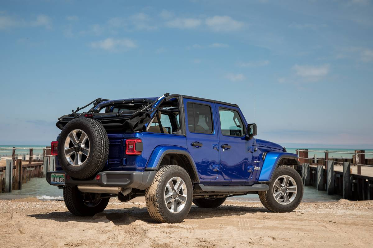 Why The Jeep Wrangler S Soft Top Is Way Better Now News Cars Com