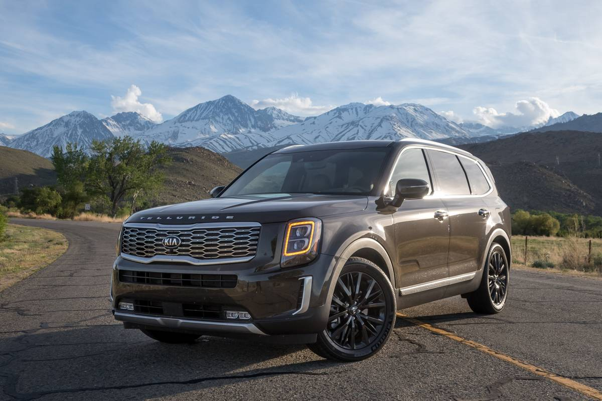 01-kia-telluride-2020-angle--brown--exterior--front.jpg