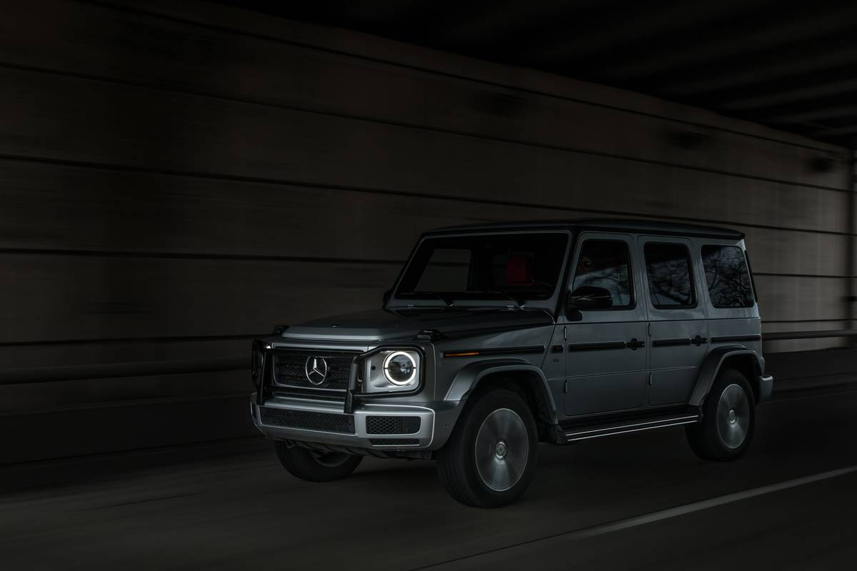 01-mercedes-benz-g-550-2019-angle--dynamic--exterior--front--silver.jpg