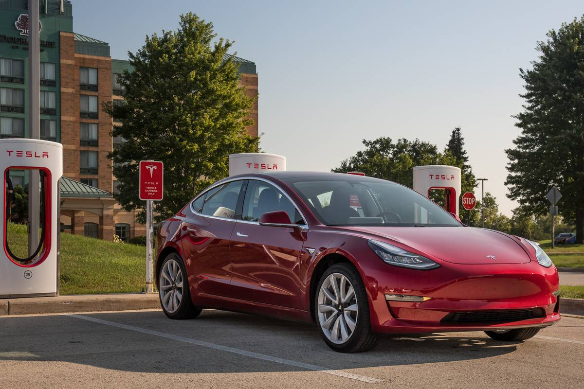 The Week in Tesla News: 2019 Delivery Goal Met, Model 3 ...