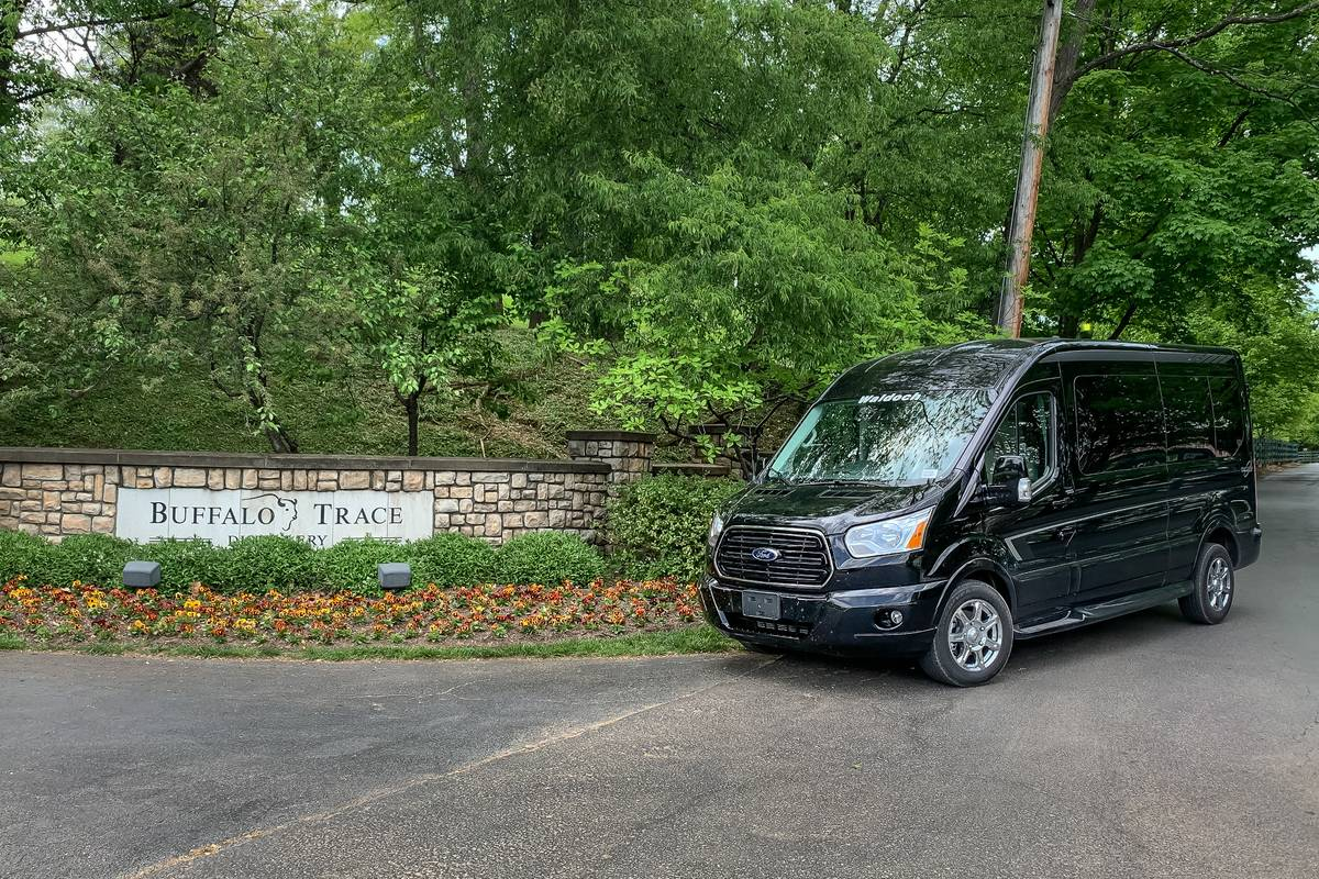 02-ford-transit-2019-angle--black--exterior--front.jpg