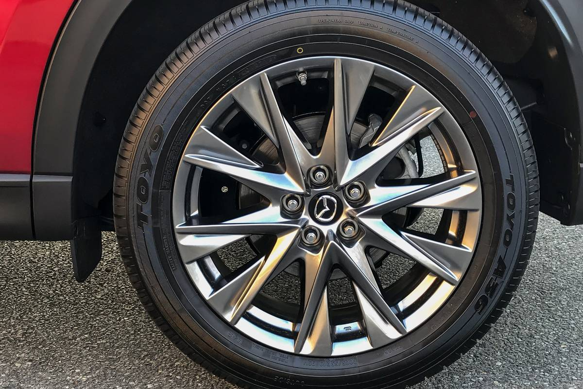 08-mazda-cx-5-2019-exterior--red--wheel.jpg