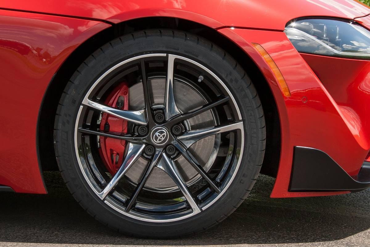 08-toyota-supra-2020-exterior--red--wheel.jpg