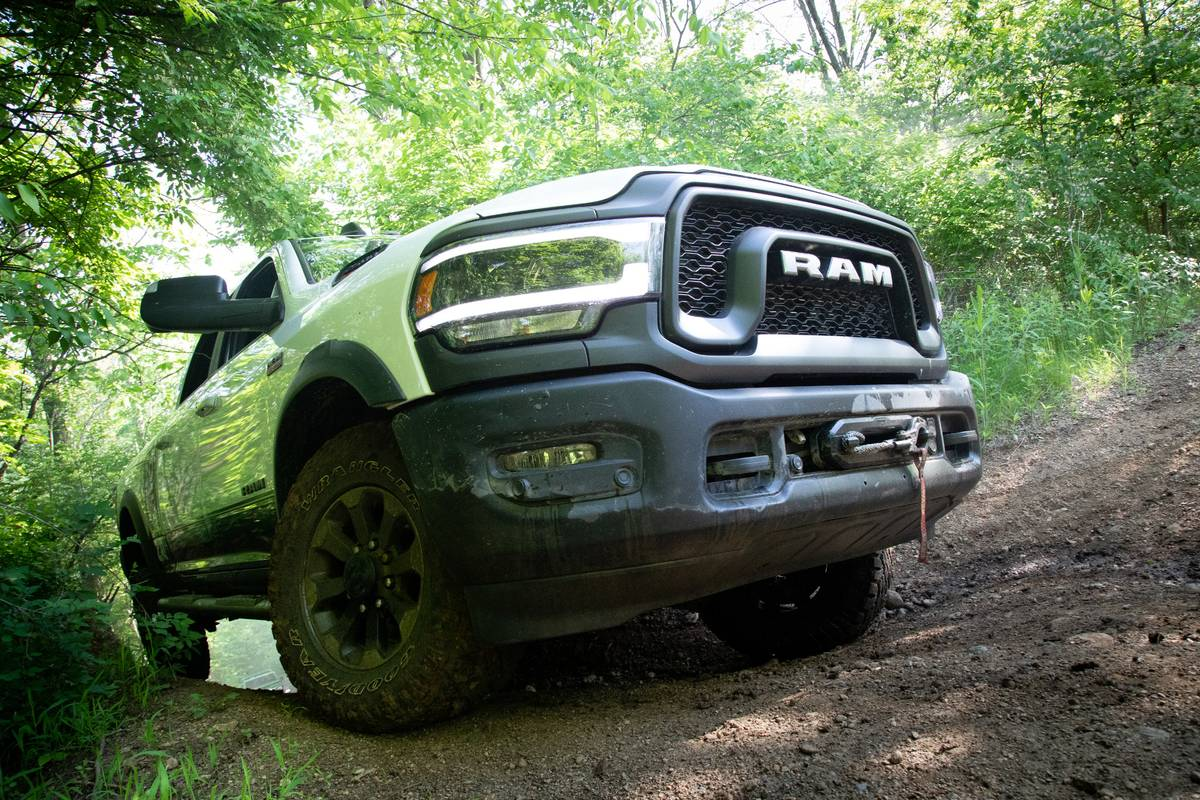 09-ram-2500-power-wagon-2019-angle--exterior--front--off-road--white.jpg