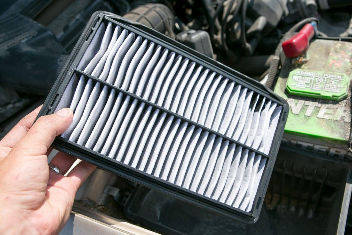 Insertion of a replacement engine air filter