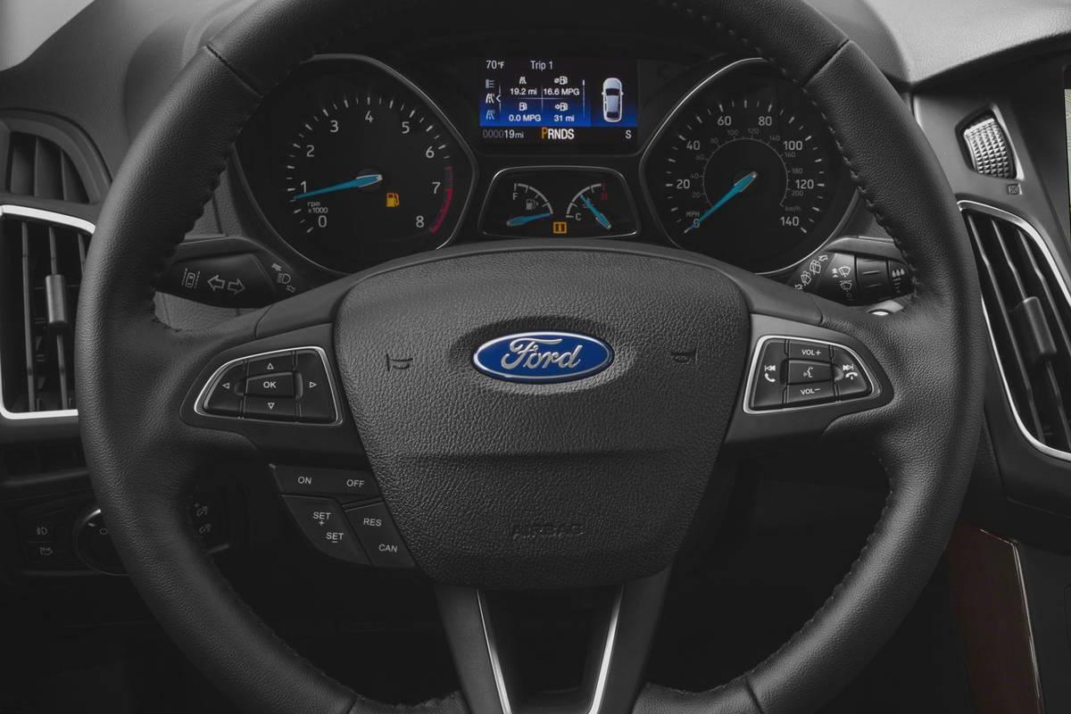 16-Ford-Focus