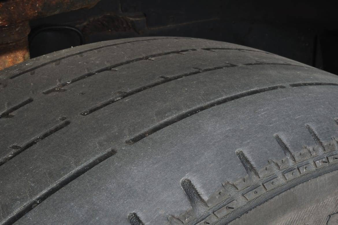 Worn_tire_Zoonar_RF_Zoonar_Thinkstock.jpg