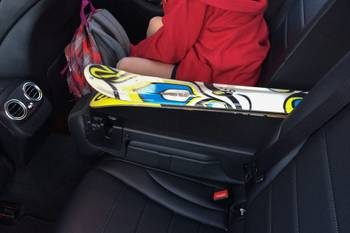 These Sedans Wipe Out When It Comes to Skis in the Trunk