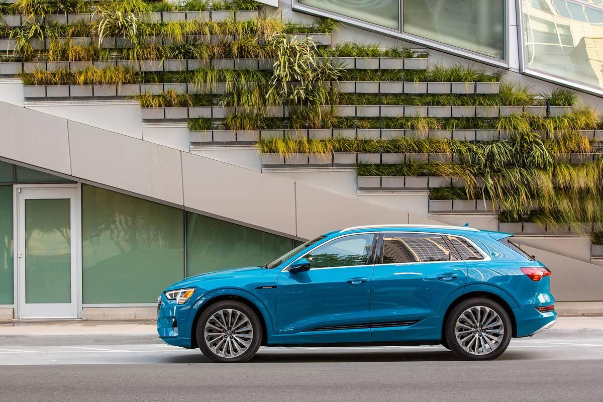 19-Audi-e-tron-OEM