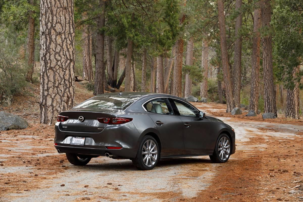 19-Mazda-Mazda3-Sedan