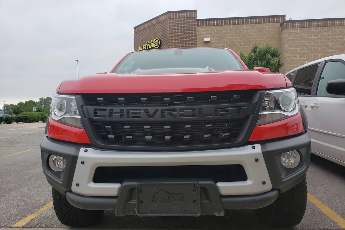 19_Chevrolet_Colorado_ZR2_Bison_20