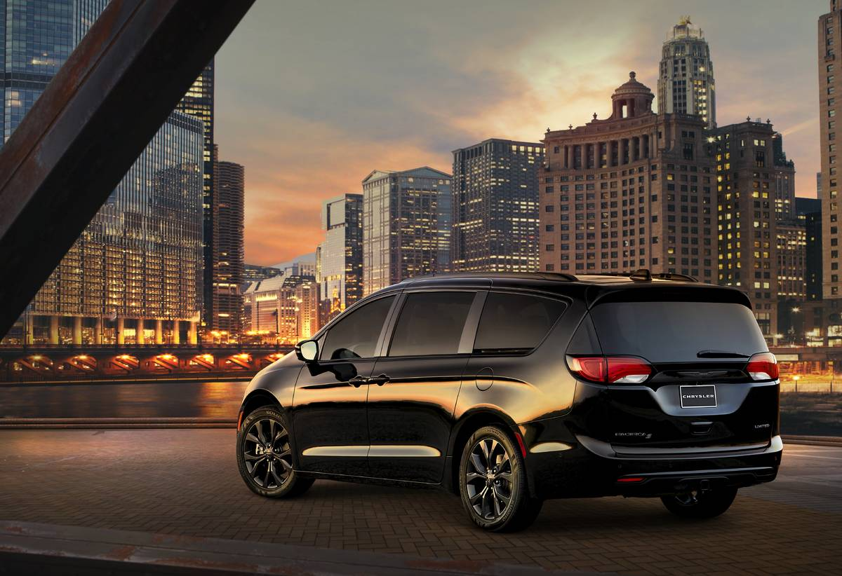 2020 Chrysler Pacifica S Appearance Package