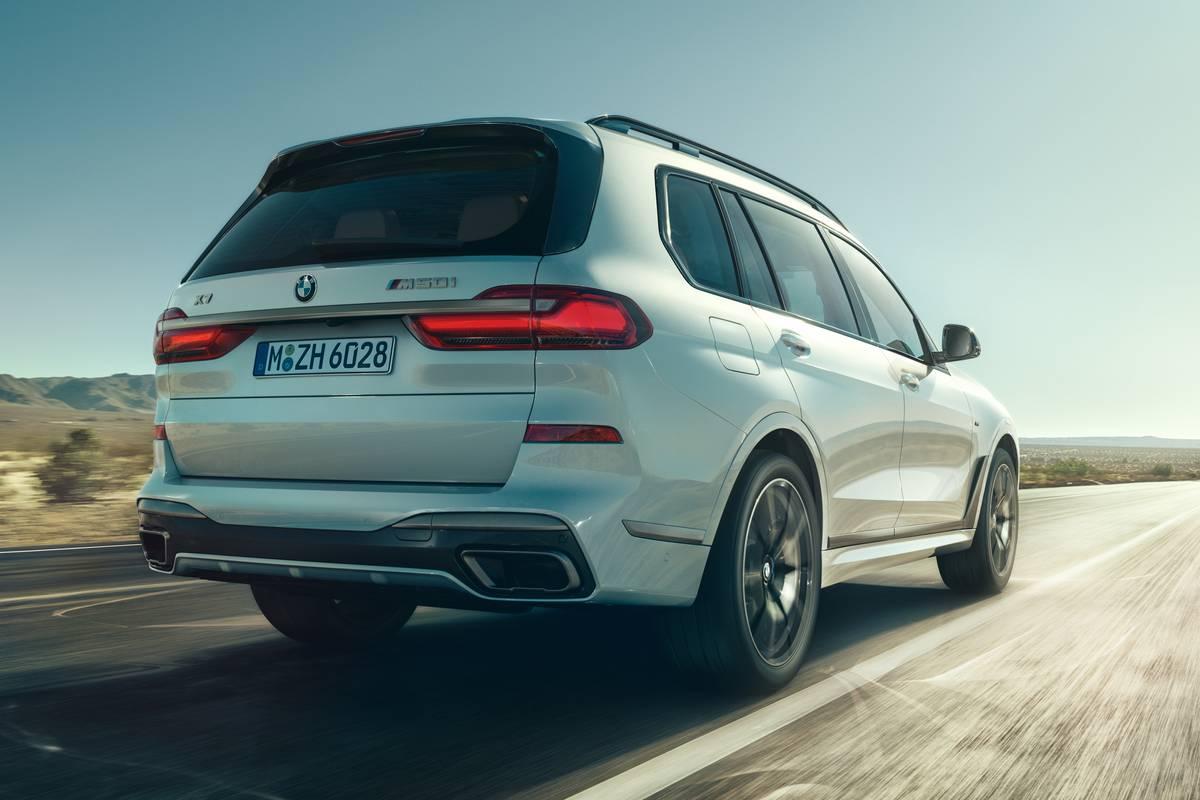 2020 Bmw X5 X7 Get More Grunt With M50i V 8 Performance Models News Cars Com