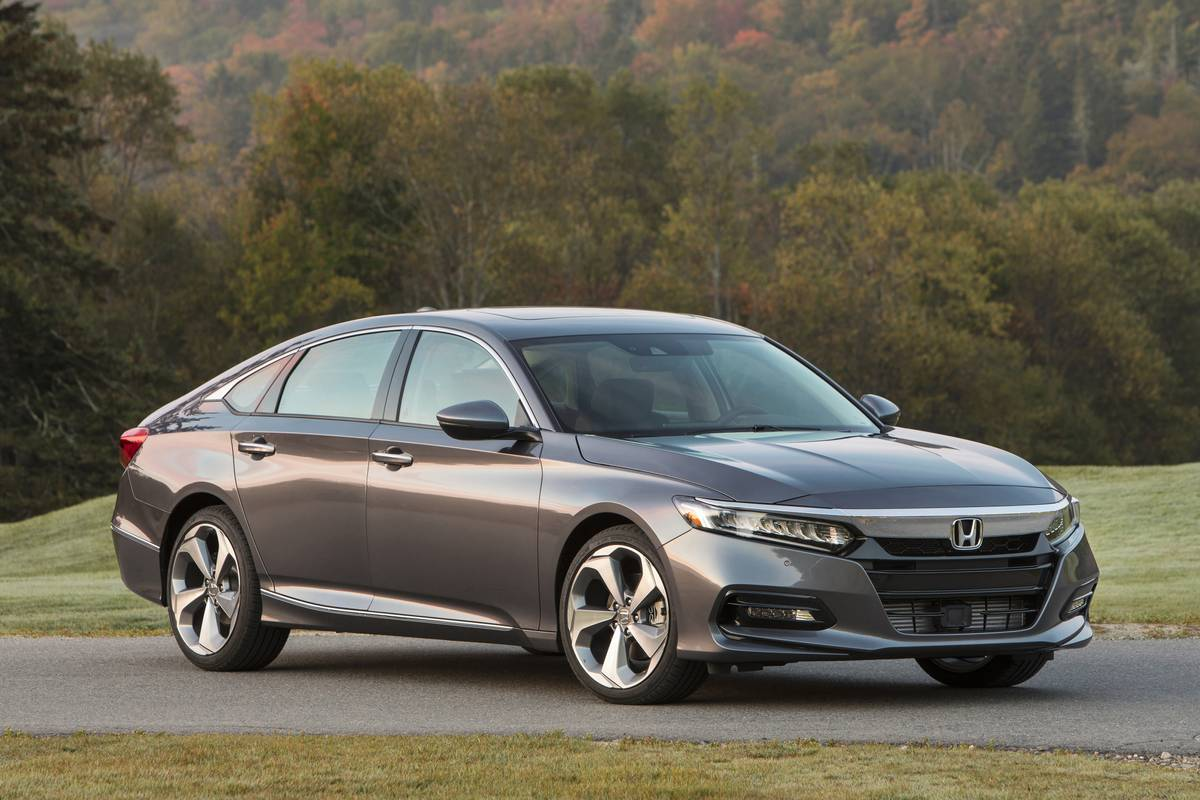 2020 Honda Accord Arrives Tuesday With Ever So Slightly Higher Prices News Cars Com