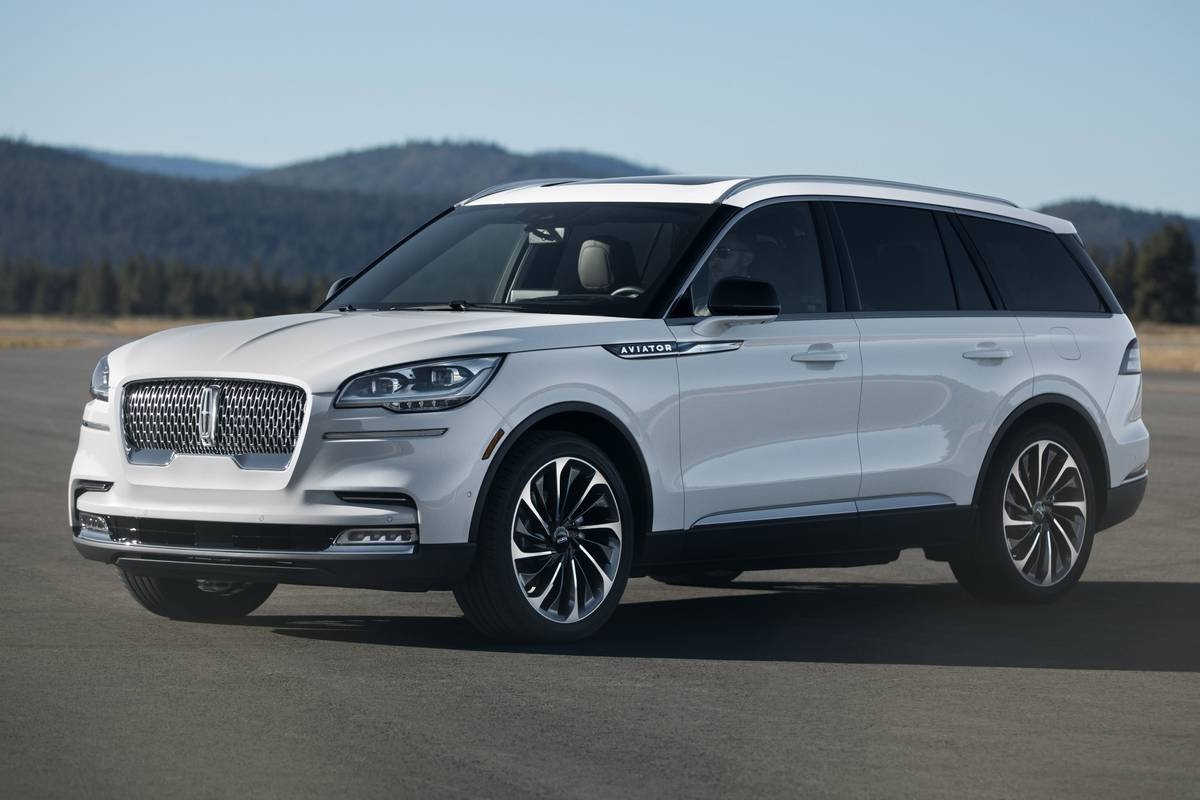 More Powerful 2020 Lincoln Aviator Also Nips Cadillac Xt6 Rival In