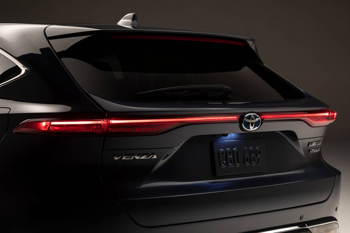 10 Biggest News Stories of the Week: Toyota Venza Keeps Subaru Outback Out Back