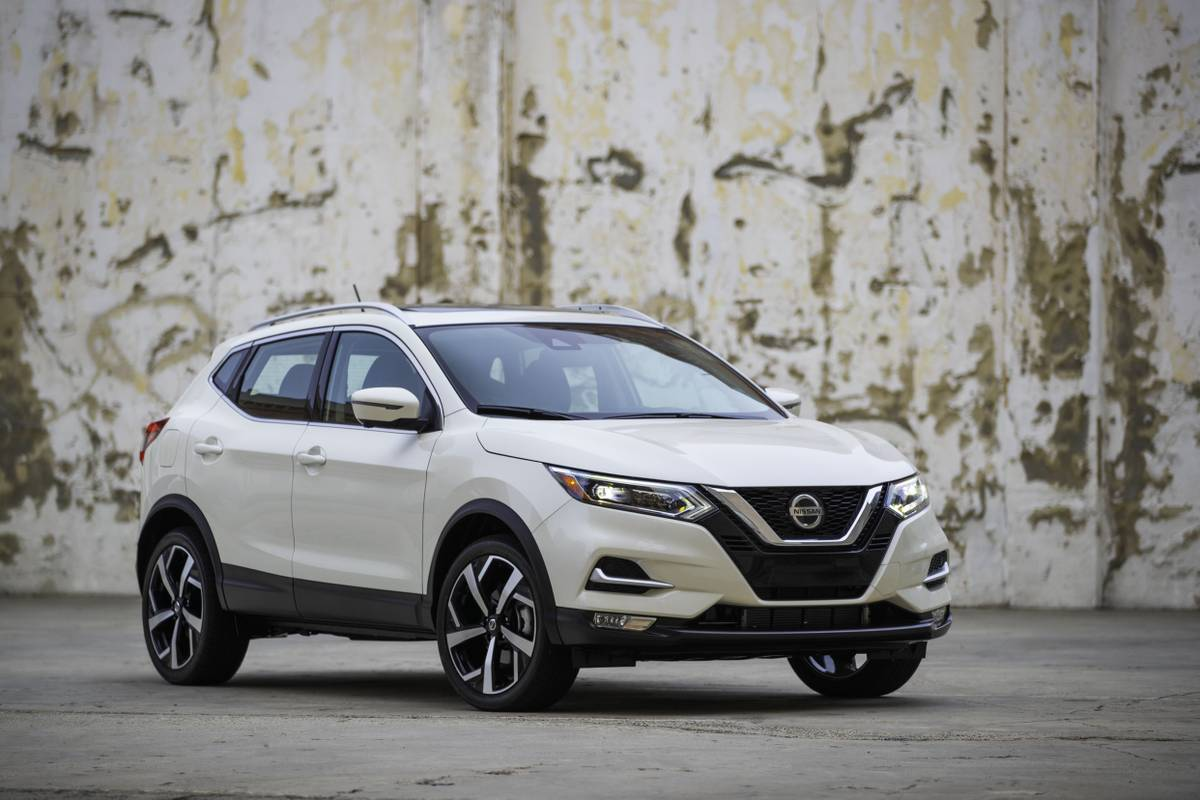 2020 Nissan Rogue Sport More Safety Features Higher Prices News Cars Com