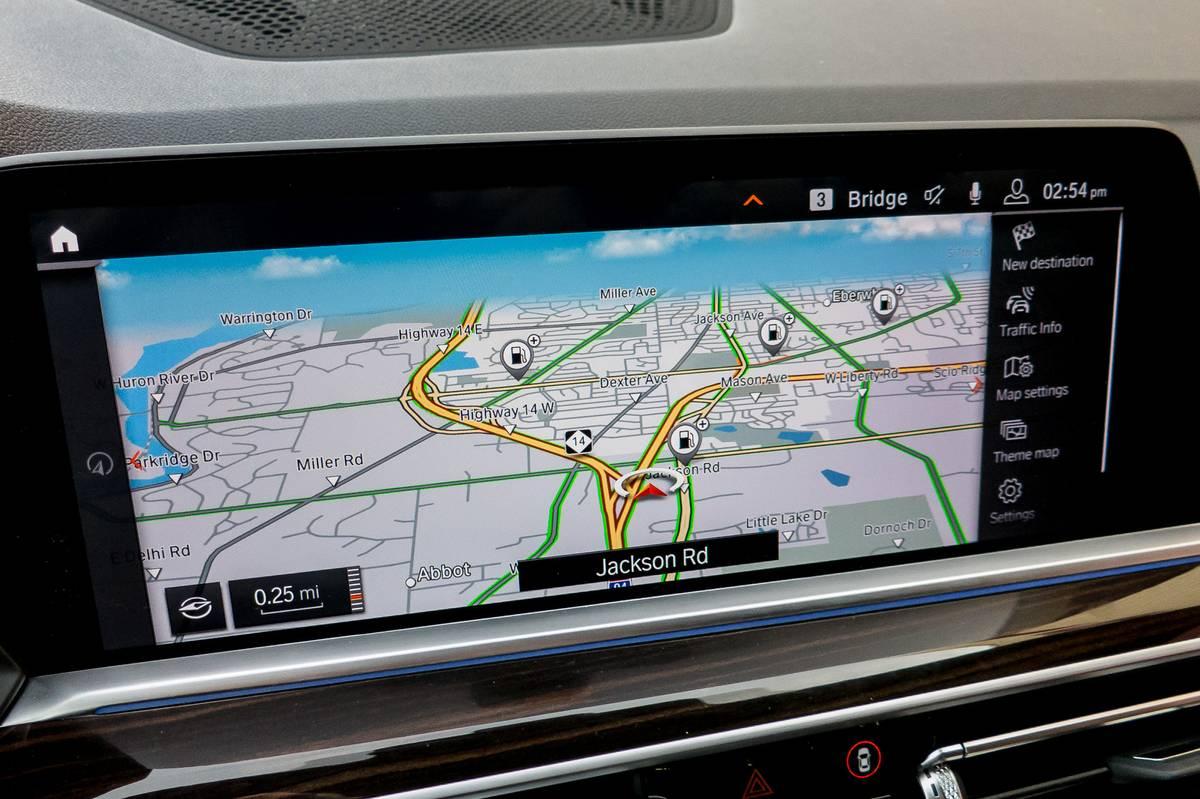 21-bmw-x5-2019-center-stack-display--interior--navigation.jpg
