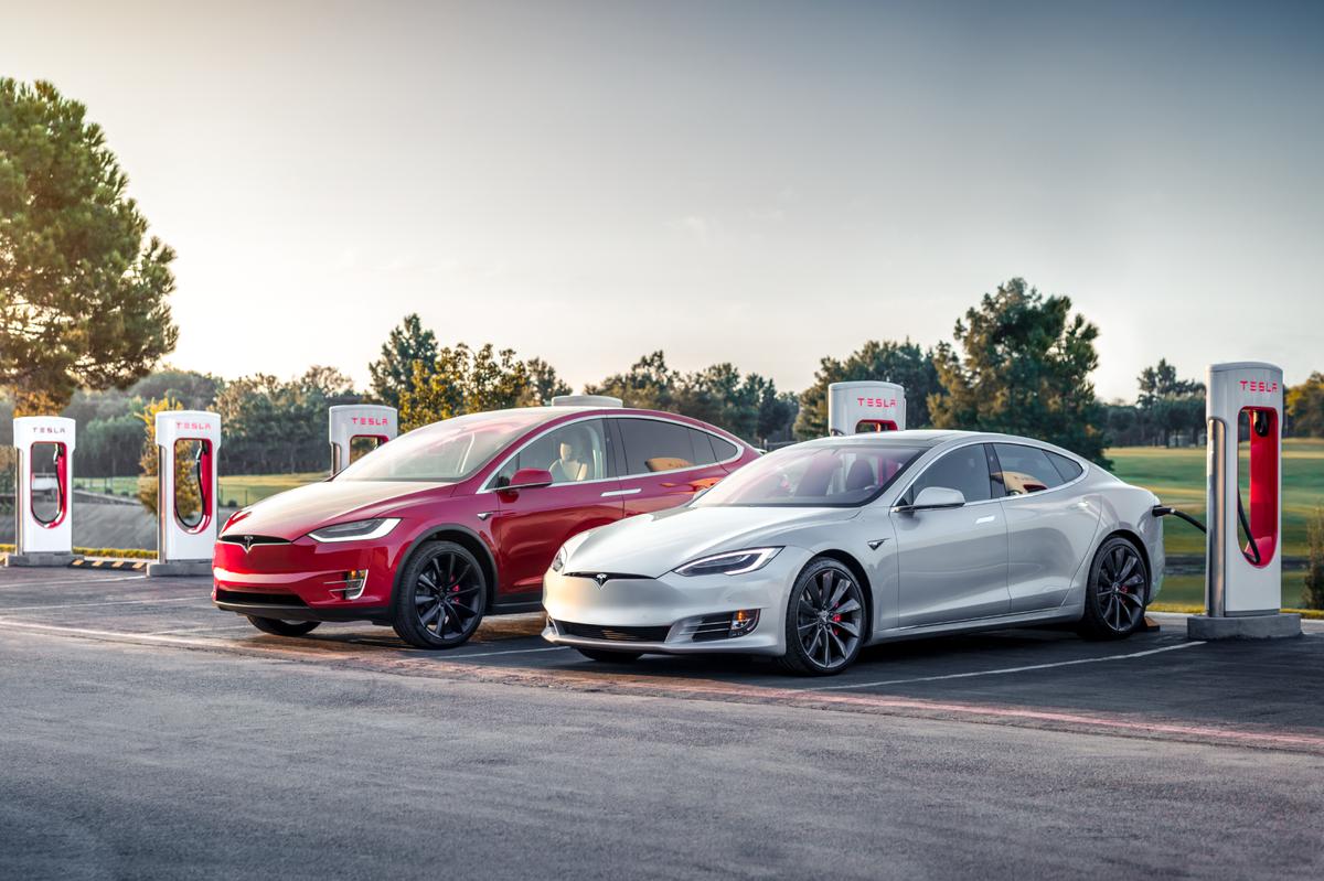 Tesla Model S X Supercharger