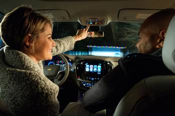 Satellite Streaming 'n' Santa Sightings: GM Gives Gift of SiriusXM With 360L, NORAD Sleigh Tracking