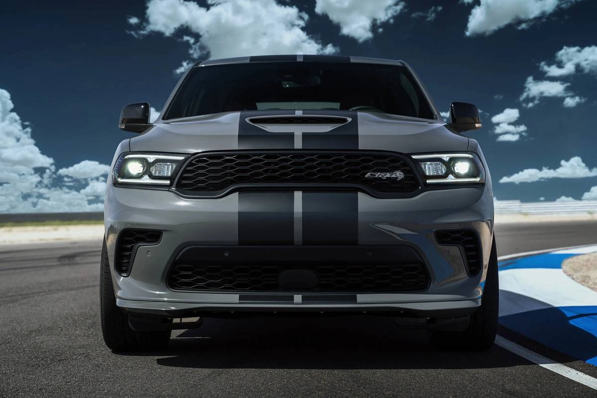 2021 Dodge Durango SRT Hellcat front grille and headlights